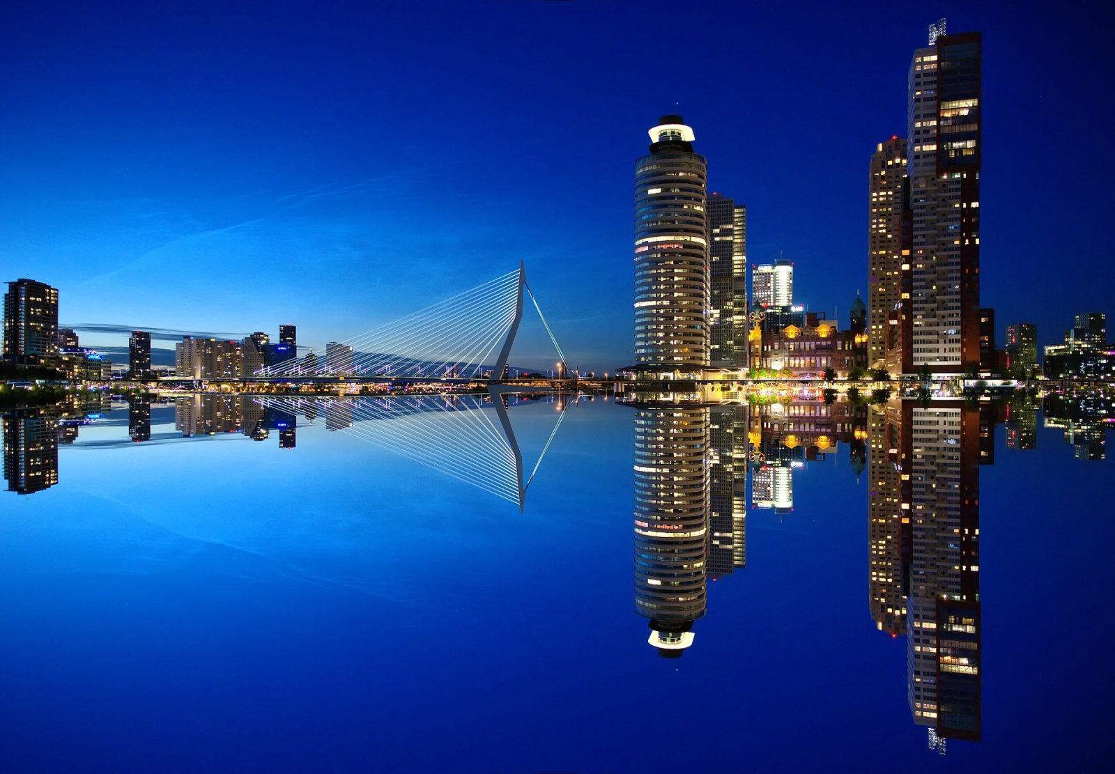 Touringcar huren Rotterdam voor vervoer naar een evenement